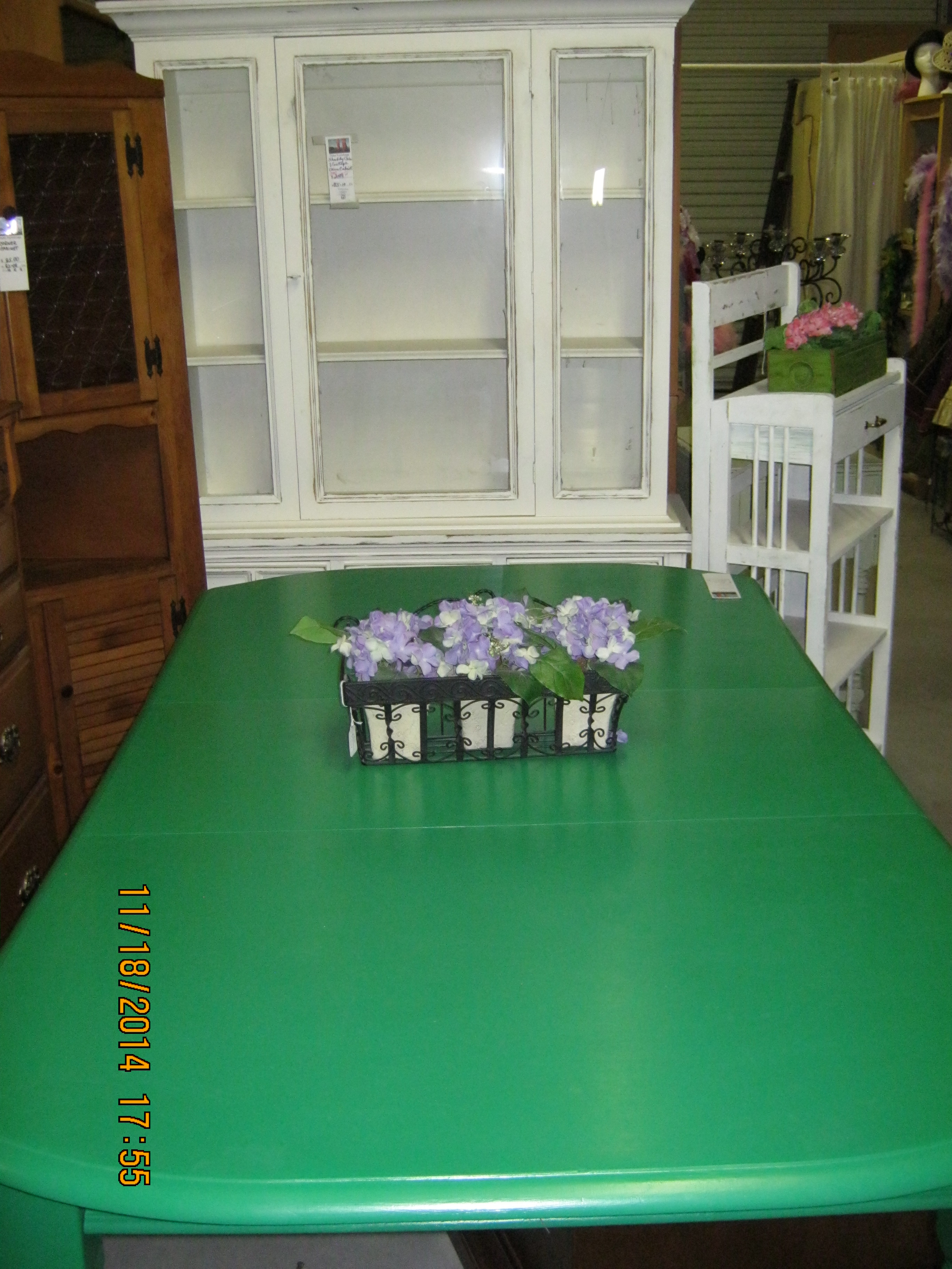 BJ-10 Shabby Cabinet MR-63 Green table