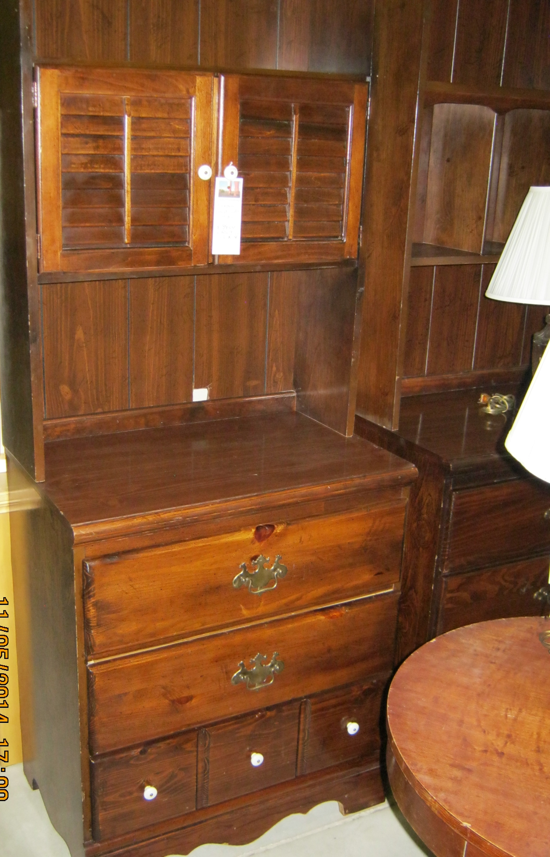 RS-08 3 Drawer Dresser and Hutch
