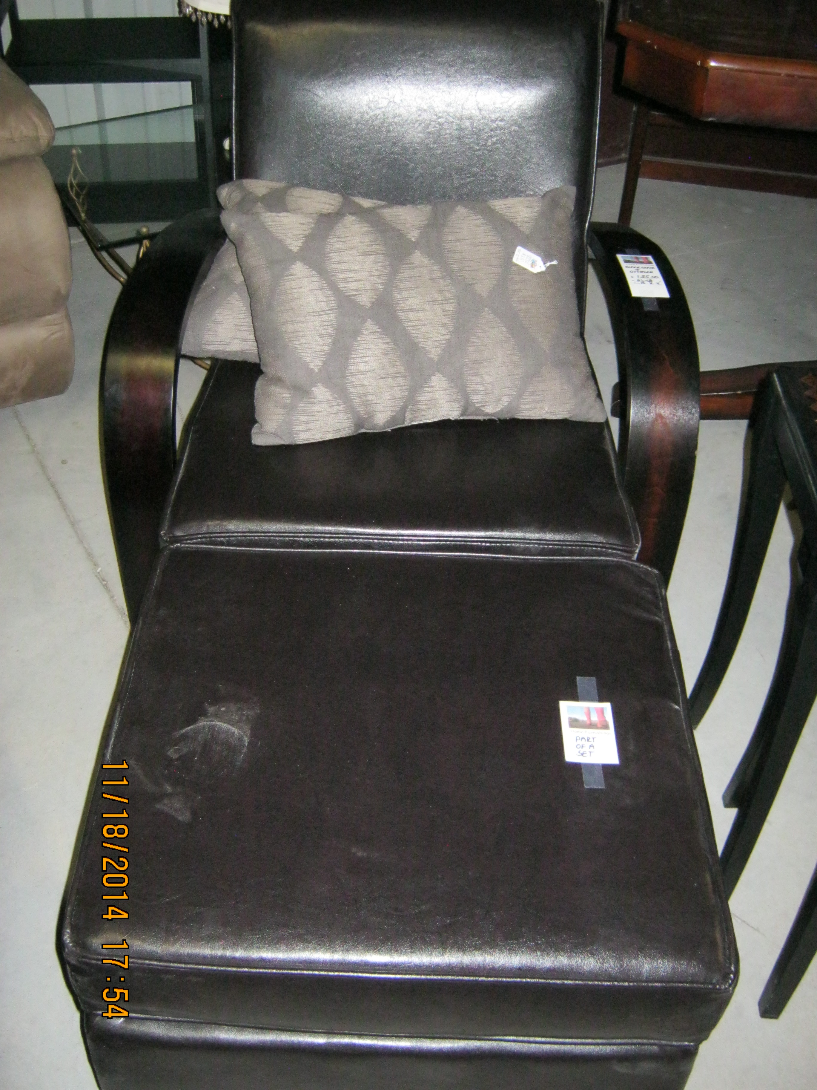 RS-08 Black Chair and Ottoman